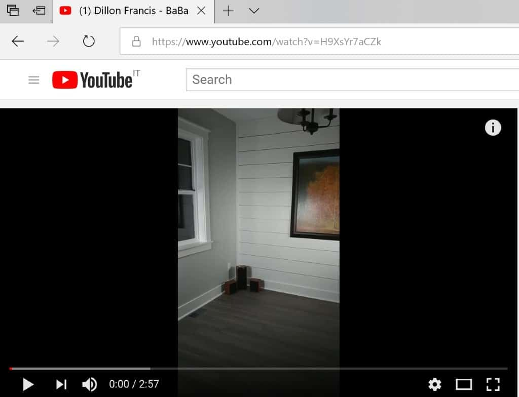 YouTube modifies player size on desktop